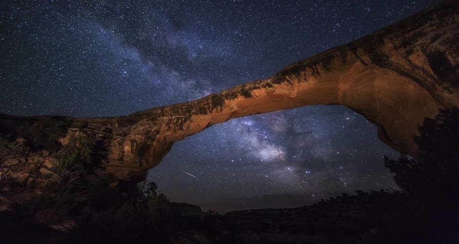 cielo estrellado Natural Bridges National Monument