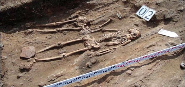 pareja de 5000 años hallada en el lago Baikal de Rusia