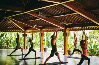 practicar yoga en bali
