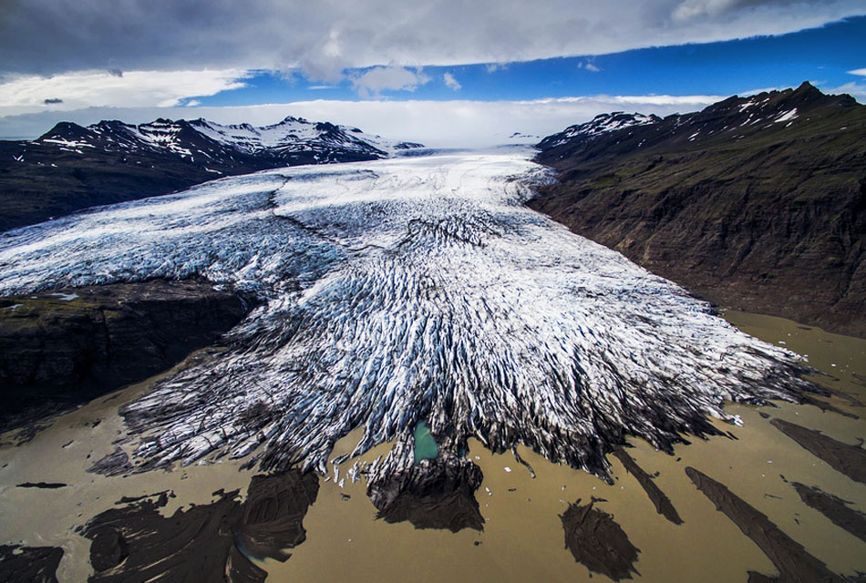 llevar dron a Islandia