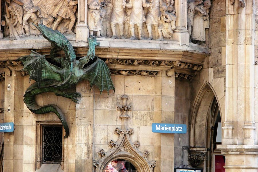 Dragon Marienplatz