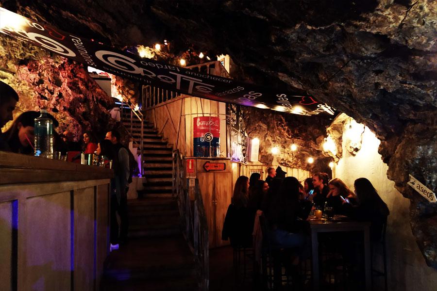 Pub cueva Cuenca